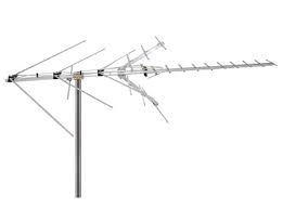 Channel Master 2018 CM-2018 Medium sized UHF VHF and FM 45 miles UHF in Canada from Channel Master Canada Save And Replay